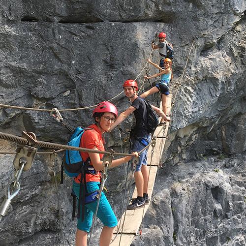 Via Ferrata - pont de singe en groupe