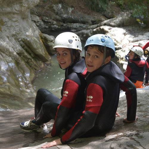 Canyoning - 2 personnes prêt a sauter